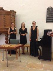 Zimbalkonzert mit den Künstlerinnen Irina Morosowa (Zimbal) sowie Tatjana Kuprejewa und Elizaveta Morosowa aus Weißrussland
